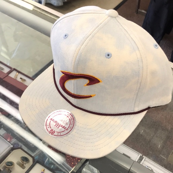 Mitchell ness Cleveland cavaliers snapback hat 60258ea9ee43